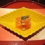 京懐石 美濃吉 - 先付: 紅白柿なます(松の実)