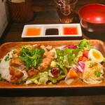 レッドドラゴン - 鶏飯(揚げ鶏)