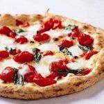 """PIZZA SALVATORE CUOMO - 受賞ピッツァ""""D.O.C""""~ドック~/シンプルだけにごまかしのきかない贅沢なピッツァ。"""