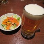 シディーク - 生ビール500円とサラダ