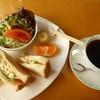 カフェ バンブー - 料理写真:Dモーニング (ドリンク、トーストサンドイッチ、サラダ、フルーツ)
