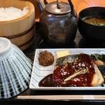 おひつ膳 田んぼ - 昼 おひつ膳 (さば味噌煮) 1000円。