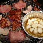 焼肉やっちゃん - 炭火焼き