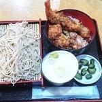 浜松町 更科 - ミニ天丼+もり¥920