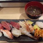 回転寿司函館まるかつ水産 - 特選握り