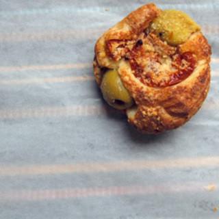 ジャンティーユ - 料理写真:ドライトマトとオリーブのプチフール