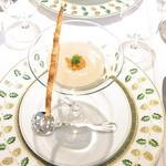 ジャマン - 料理写真:小さい前菜 金時薩摩芋の冷たいスープ ウニとチーズパイのせ☆♪