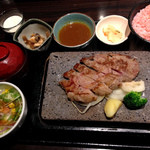 石焼ステーキ 贅  - 彩り御膳(サーロイン150g)