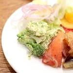 グリックグリル - ブッフェ:鶏とブロッコリーのジェノバ風 '15 1月上旬