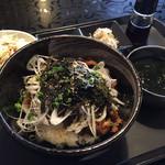 麺Dining セロリの花 - 炭火焼カルビ丼