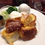 星乃珈琲店 - ◎フレンチモーニング◎フレンチトースト・ゆで卵・ミニサラダ・ドリンクで600円。