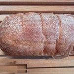 そら豆 - 料理写真:パン・ド・カンパーニュ