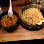 室壱羅麺 - 昼のつけ麺820円に味玉100円