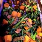 タプシハン サ カイビガン - 小エビとナスとインゲンと小松菜とカボチャの炒め物。ピリ辛。