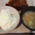 とん吉 - 御飯と味噌汁