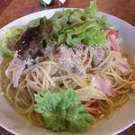 パチーノズカフェ - チキンとベーコン・トマト・レタスのパスタ(890円)