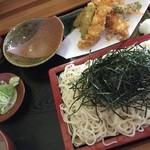 そば処 七福神小路 - 冷たい蕎麦、天ざる1400円です。