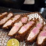 Manger - 料理写真:Tokyo X ラージ 日本一の豚肉に日本一のとんかつシェフ。 ミシュラン☆みっつ揚げたい!