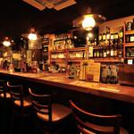 Irish pub Booties・・・ - 一人で飲むならBARカウンターがおすすめ