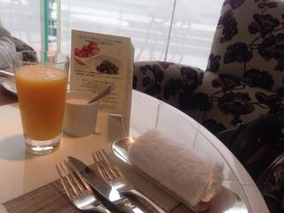 ホテル ラ・スイート神戸ハーバーランド - 朝ごはんスタート