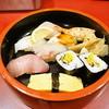 神鷹 - 料理写真:にぎりすし定食 780円で赤だしつき