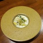京鼎樓バル - サツマイモをジャスミンで燻製
