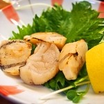 奴寿司総本店 - 貝柱塩焼