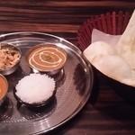 フルバリ - Bランチセット880円 チキンとキーマ 超激辛