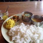 ラトナ カフェ - 料理写真:ランチセット(チキンカレー)