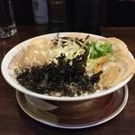 四十三代目 哲麺 - 醤油豚骨ラーメン全部入り