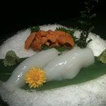 友食人酒 - イカとウニの刺身