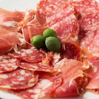 本場イタリアのテイストにこだわったバル料理!