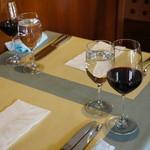 ビス - 休日ランチは赤ワイン