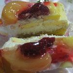 ドイツ菓子 ゲベック - 季節のケーキ断面