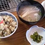 住栄丸 - 料理写真:牡蠣ごはんと牡蠣のお味噌汁