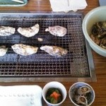 住栄丸 - 料理写真:焼き牡蠣