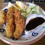 住栄丸 - 料理写真:牡蠣フライ