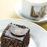 Sacher al Cioccolato サケル(ザッハトルテ) .