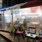 34752972 - JR久留米駅近くのフレンチ屋台です。屋台というか、運動会のテントを2つ分位つなげたような広さです。