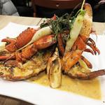 フレンチ屋台総州 - オマール海老のロースト! 見栄えもバッチリですが、プリプリした上質な身と 海老の風味が濃厚なアメリケーヌソースもいいです。