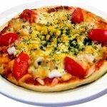 ピコピコ - シーフード&トマトピザ。国産小麦粉を使った当店特製生地です。ソースも奥出雲産トマトで作った当店特製