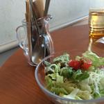 Calm cafe - サラダ