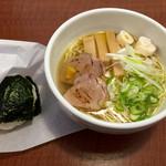 N's cafe RS - あっさり塩ラーメンとおにぎり(シャケ)