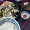 黒兎 - 料理写真:豚しゃぶサラダ定食。食物繊維とビタミンが摂れるので女性におすすめ。麦味噌は素朴な優しい味。