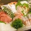 魚旬 - 料理写真:季節の魚で刺身盛合せ