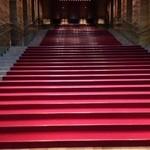 34859436 - フェスティバルホール正面玄関の広~い階段♫