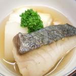 神楽坂ささ木 - サワラ 白菜と蕪 鰹と鮪と昆布出汁の煮物