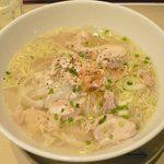 ニャー・ヴェトナム - 鶏肉のフォー