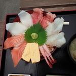 魚稚 - 海鮮丼