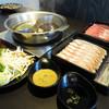 しゃぶしゃぶおかわりくん - 料理写真:鍋、お肉、野菜